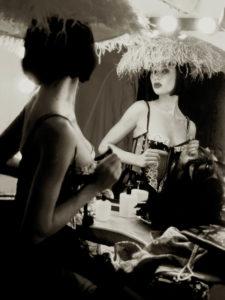 Femme Fatal Gallerysmller 1 225x300 - Portrait photographer in Bordeaux Monaco Paris London