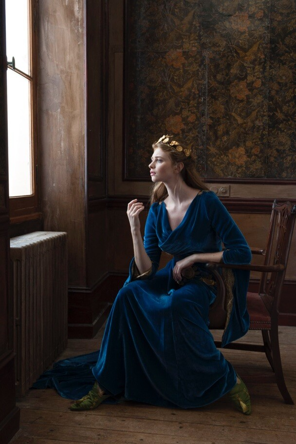 Old masters style painterly portrait photography by portrait photographer in France Vermeer