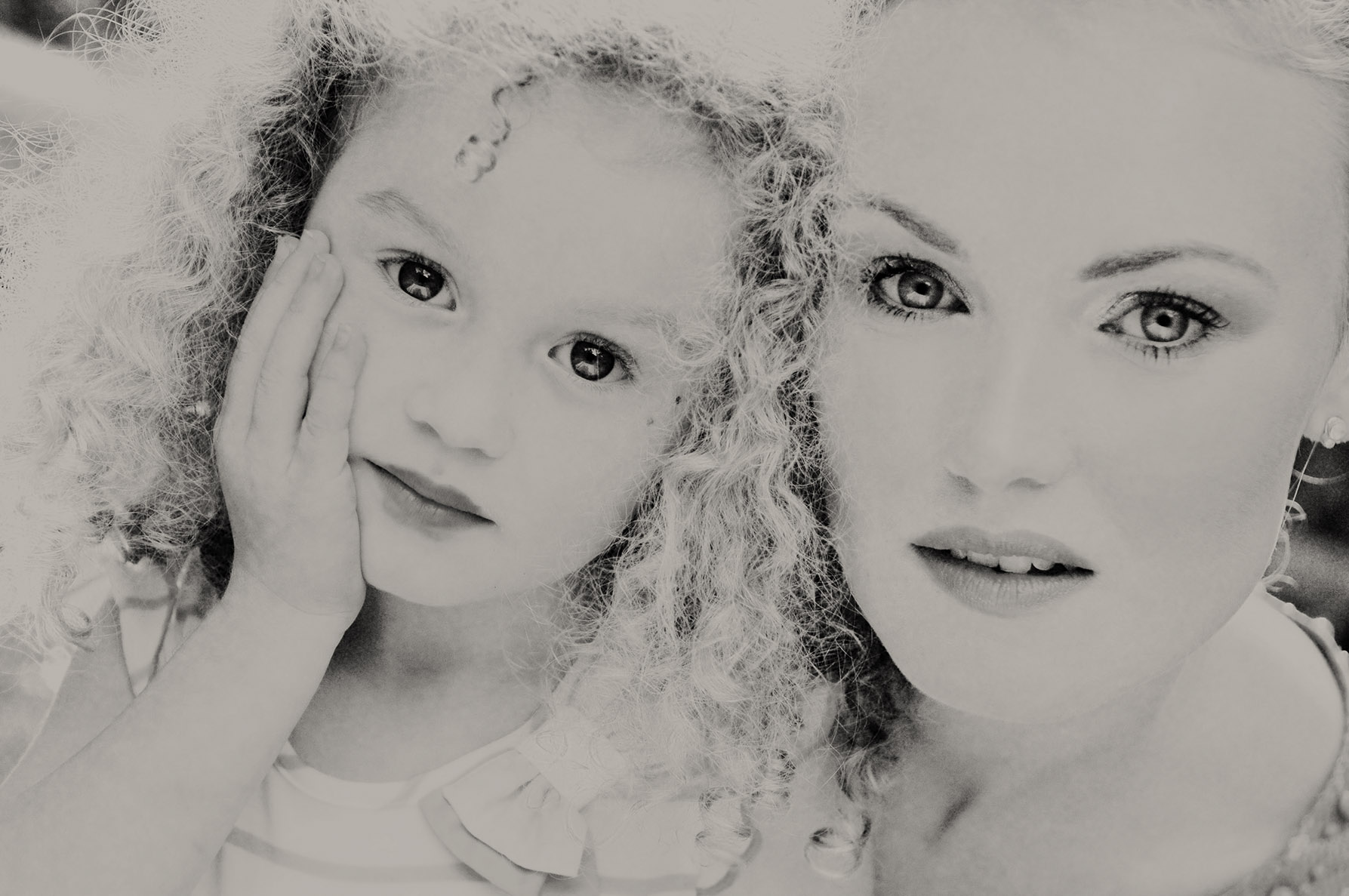 Mother and daughter portrait photographer on TheCote d'Azur
