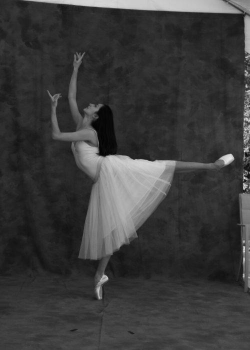 Dancers portrait t photography by portrait photographer in France session can be arranged in Bordeaux, Paris, Monaco or London. Slide 28