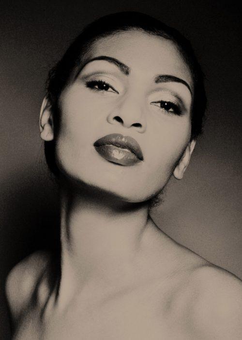 Portrait photography by portrait photographer in France session can be arranged in Bordeaux, Paris, Monaco or London. Slide 26