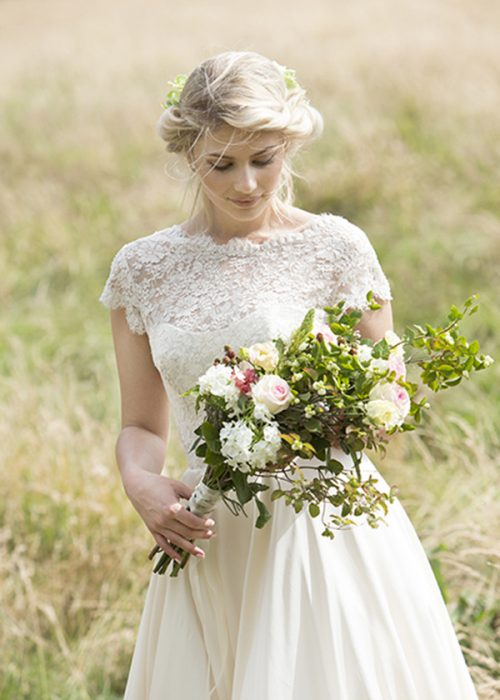 Wedding photography by portrait photographer in France session can be arranged in Bordeaux, Paris, Monaco or London. Slide 59