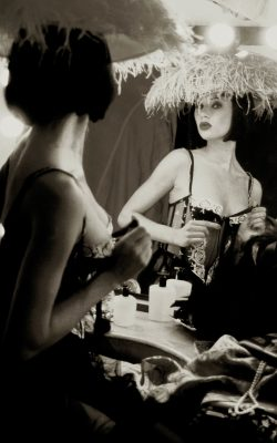 Femme Fatal Gallerysmller 1 o1q3itin1isgwa397jivps4ymaqa1ux7725y1xz3mo - Photography courses in France