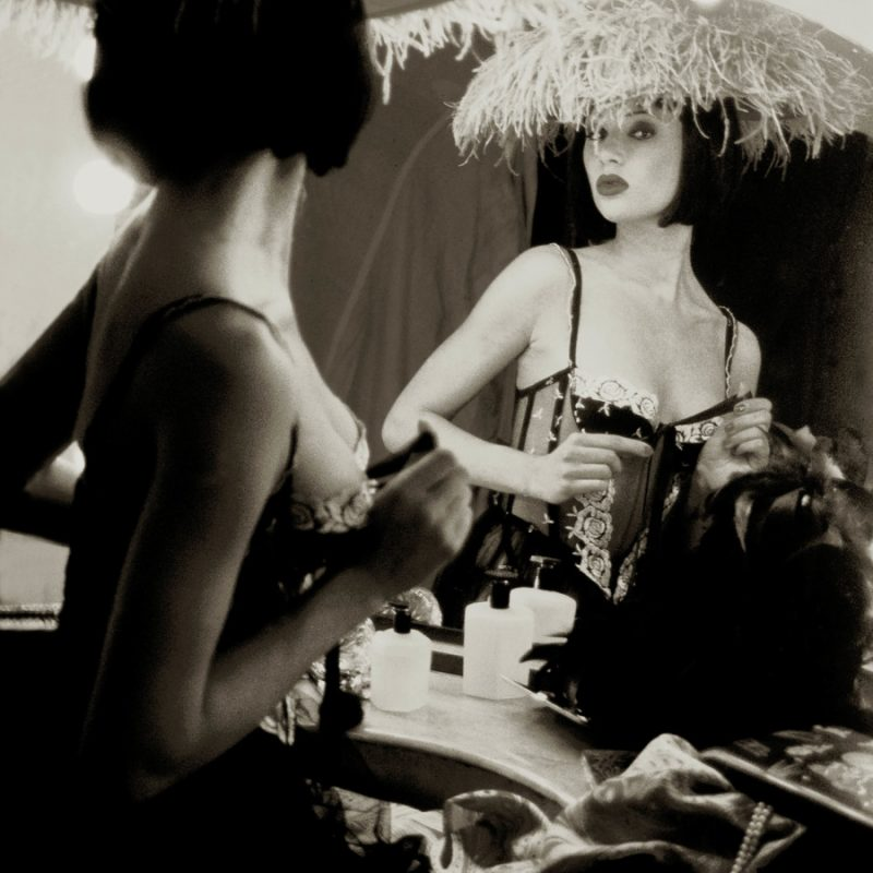 Femme Fatal Gallerysmller 1 o1q3ititqq402eyczg9mjk0xqw7xromvnp5mu7td8g - Photography workshops