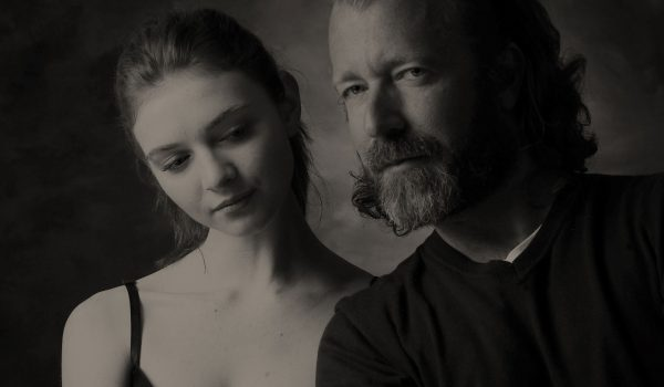 a couple portrait by Children portraits by Bruce Smith the portrait photographer in France