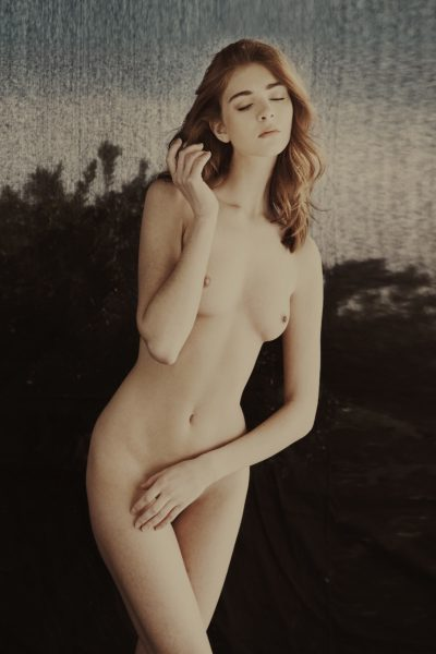 1-2-1 photography workshops in France, Europe nudes