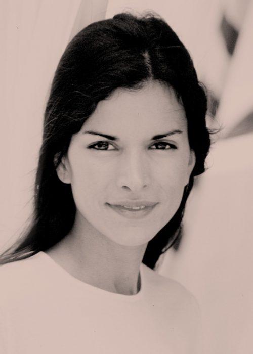 Portrait of Patricia Velasquez shot in Portugal photography by portrait photographer in France session can be arranged in Bordeaux, Paris, Monaco or London. Slide 40