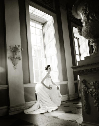 Portrait photographer in France, Portrait photographer in France who creates beautiful contemporary portraiture